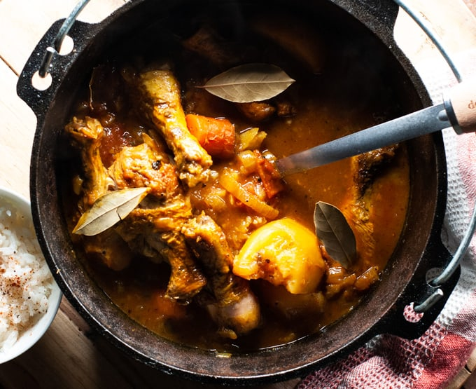 Turmeric infused chicken. With a delicious golden sauce that is perfect for any occasion.